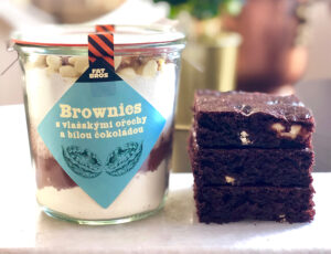 Brownies s vlašskými ořechy a bílou čokoládou