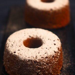 Muffiny s ovesnými vločkami, jablky a vlašskými ořechy v dóze