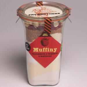 Bezlepkové muffiny s malinami, vanilkou a bílou čokoládou v dóze