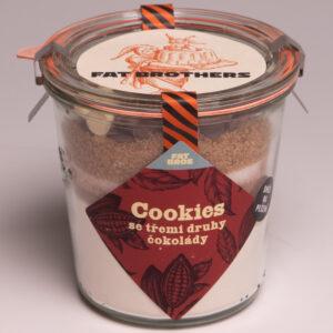 Cookies se třemi druhy čokolády v dóze